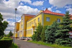 Budova školy v roce 2014.