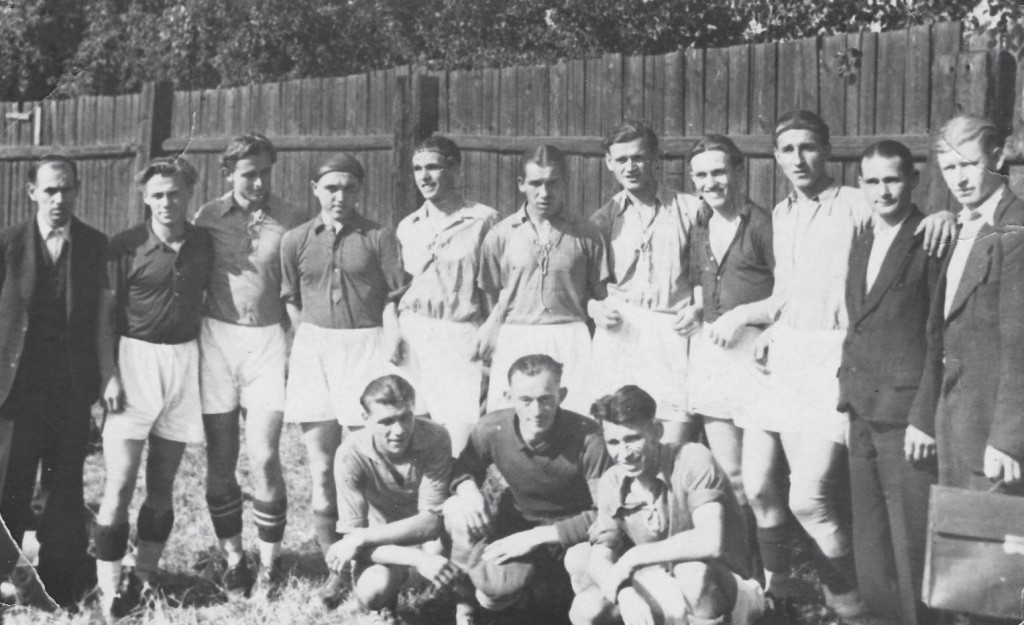 Fotografie z utkání v roce 1944 na Bramši